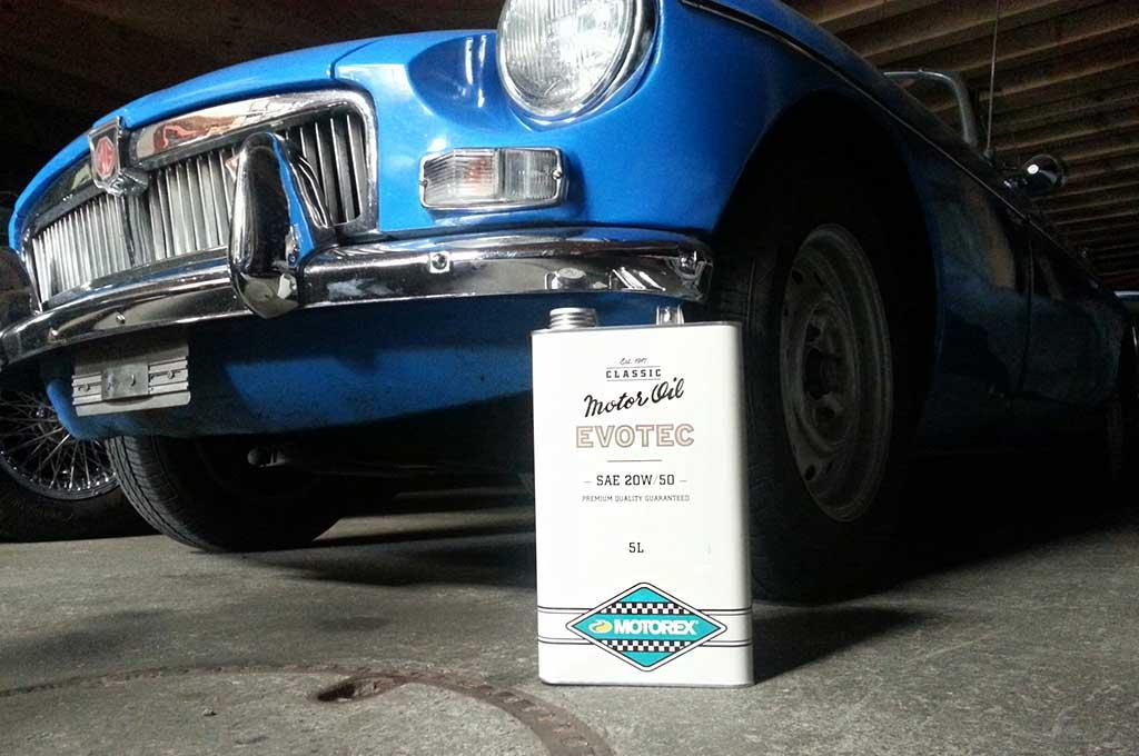 Das richtige motoren l f r ihren klassiker bei uns erh ltlich for Motor oil for older cars